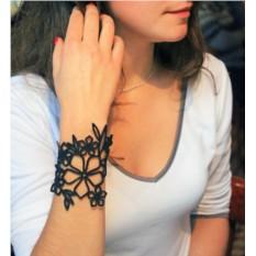 Кожаный браслет Ветвь олеандра (цвет — черный)