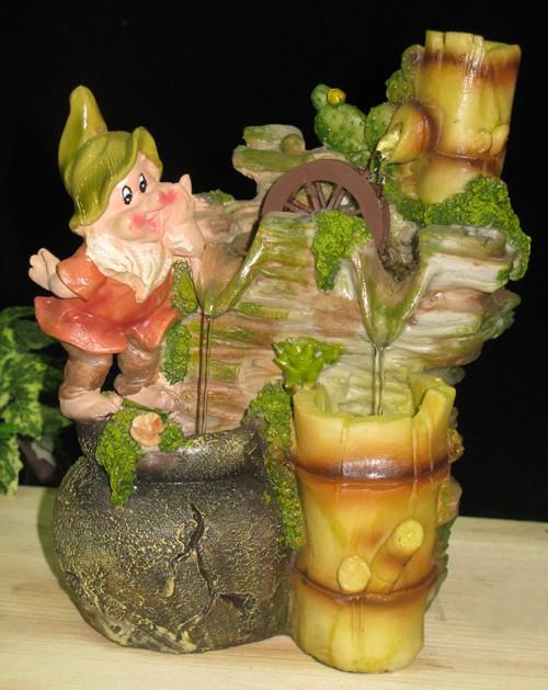 Декоративный фонтан Гномик и каскад воды