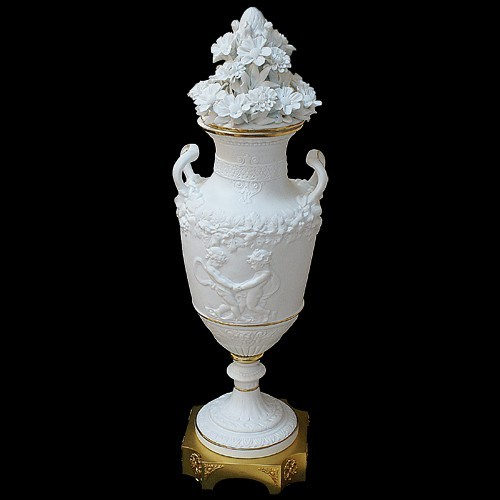 Кубок-лампа из фарфора Tiche Porcellane