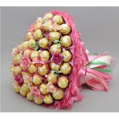 Букет из конфет Цветущее сердце