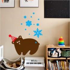 Интерьерная наклейка Мишка и снежинки