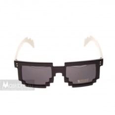 Пиксельные очки с белыми дужками