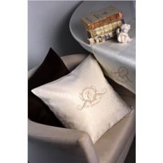 Декоративная наволочка с именной вышивкой Фамильный герб