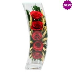 Цветы в стекле: композиция из роз.