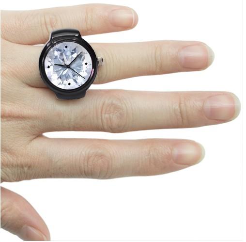 Чёрные часы-кольцо Diamond
