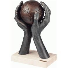 Скульптура Человек мира