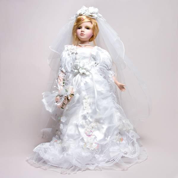Фарфоровая кукла Пэгги