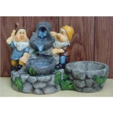 Декоративный фонтан Гномики и вода