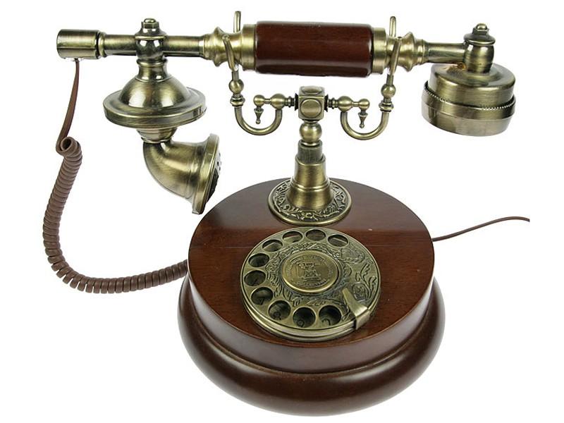 Коричневый телефон Ретро