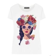 Женская футболка Brunette with flowers