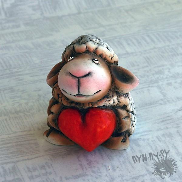 Сувенирная овечка Дуська