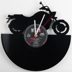 Часы из виниловой пластинки Байк