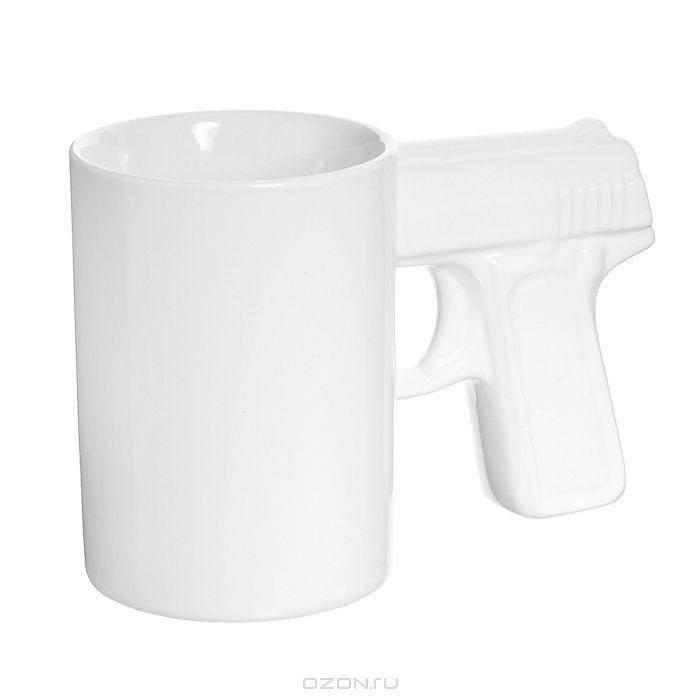 Кружка керамическая Пистолет, цвет: белый