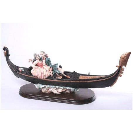 Статуэтка «Пара в лодке»