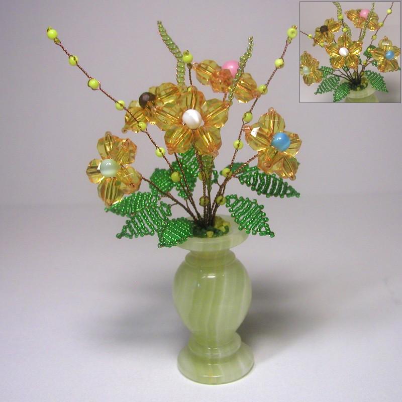 Цветы счастья из бисера