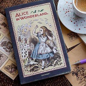Планинг Alice in Wonderland (M)