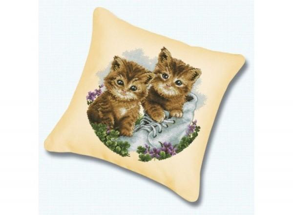 Набор для вышивания подушки Белоснежка. Котята
