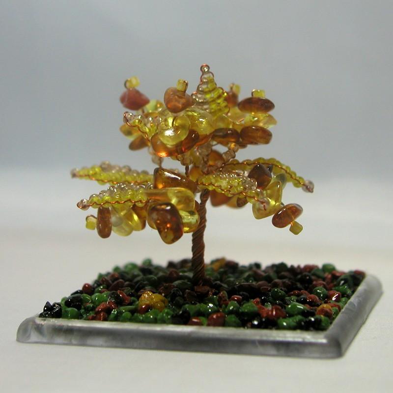 Дерево счастья из янтаря в миниатюре