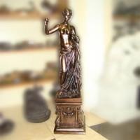 Бронзовая статуэтка  Афродита