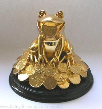 Статуэтка Лягушка на деньгах