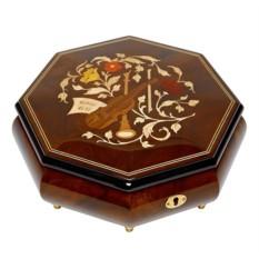 Девевянная шкатулка для ювелирных украшений