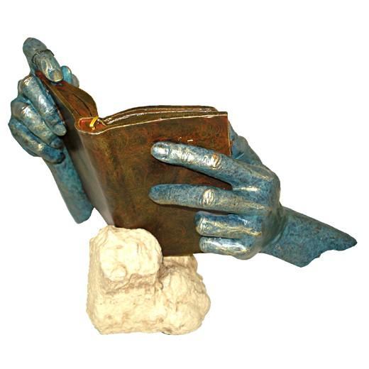 Скульптура Открытая книга