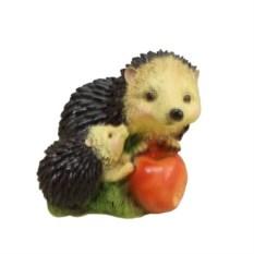 Декоративная садовая фигура Ежики с яблоком