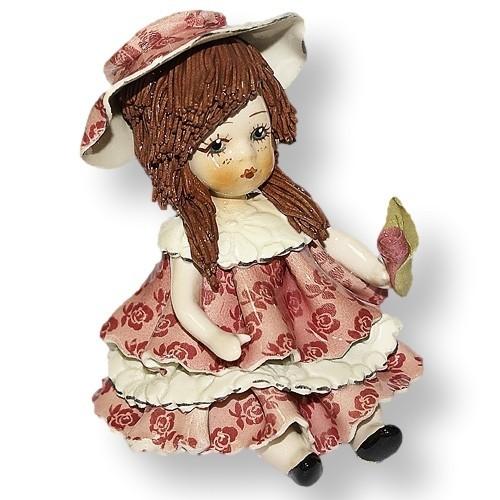 Статуэтка Девочка с темными волосами