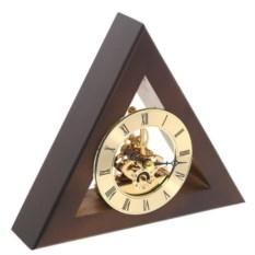 Треугольные настольные часы