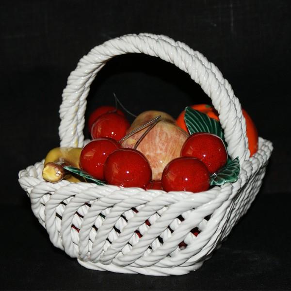 Корзина прямоугольная с фруктами