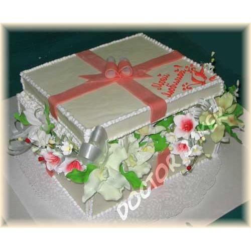 Торт «Коробочка с цветами»