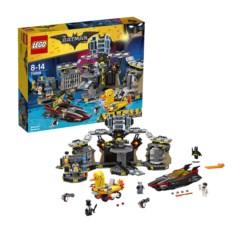 Конструктор Lego Movie Бэтмен: Нападение на Бэтпещеру