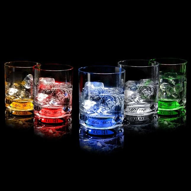 Светящийся бокал для виски, зеленый