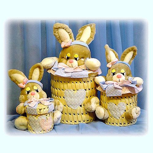Набор плетеных цилиндрических шкатулок «Зайки»