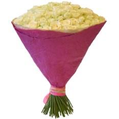 Букет из 101 белой розы (50 см) в крафте