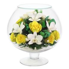 Букет-композиция из натуральных орхидей и роз