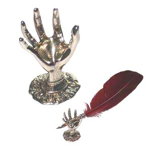 Подставка для пера «Рука»