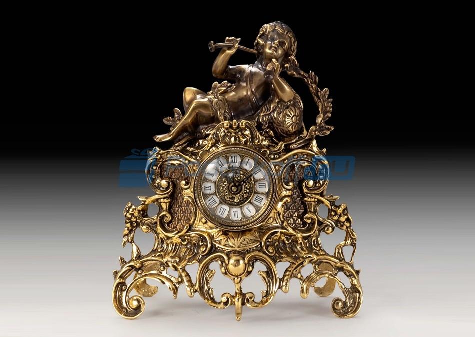 Часы из бронзы Мальчик с трубой