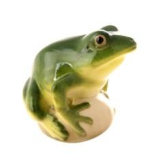 Скульптура Прудовая зеленая лягушка