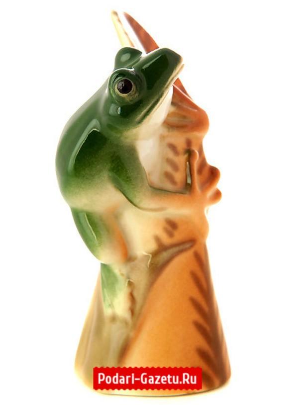 Фарфоровая статуэтка Лягушка на листике изумрудная