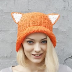 Оранжевая летняя шляпа с ушками из рафии
