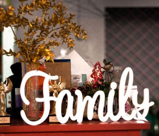 Украшение для интерьера Слово Family
