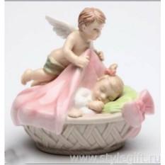 Фарфоровая фигурка Ангел-хранитель для девочки