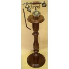 Ретро телефон на подставке