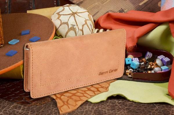 Свветло-коричневый кошелек Gianni Conti