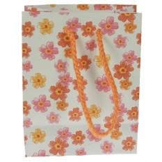 Бумажный пакет с цветами