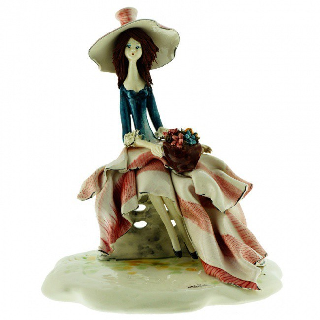 Скульптура из фарфора Дама с цветами от ZamPiva