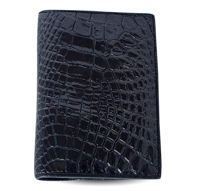 ЧЕрная обложка на паспорт из крокодила