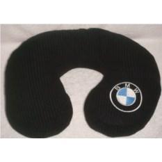 Черная подушка BMW под шею
