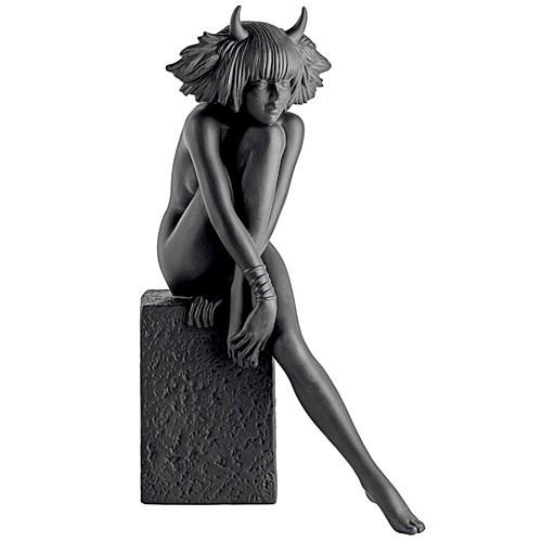 Фигурка из фарфора Телец (женщина) от Royal Copenhagen